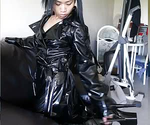 Ozzy Female Fetish